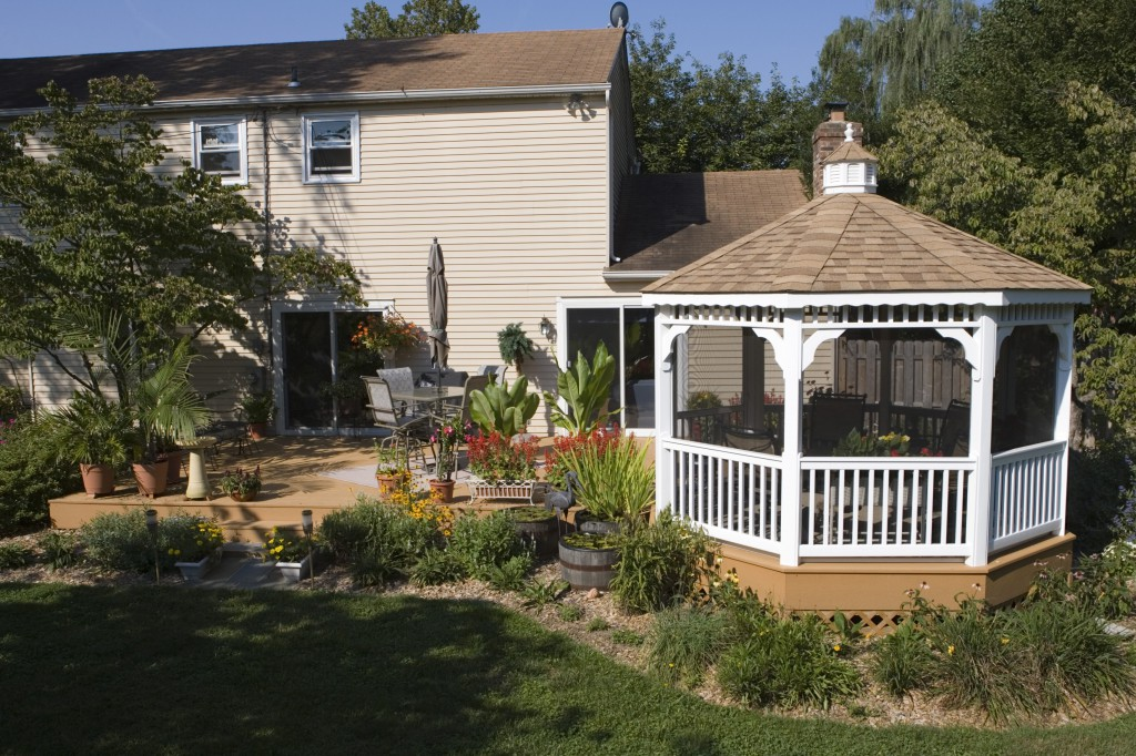 Deck gazebos vinyl gazebo deck craft plus llc for Decks and gazebos