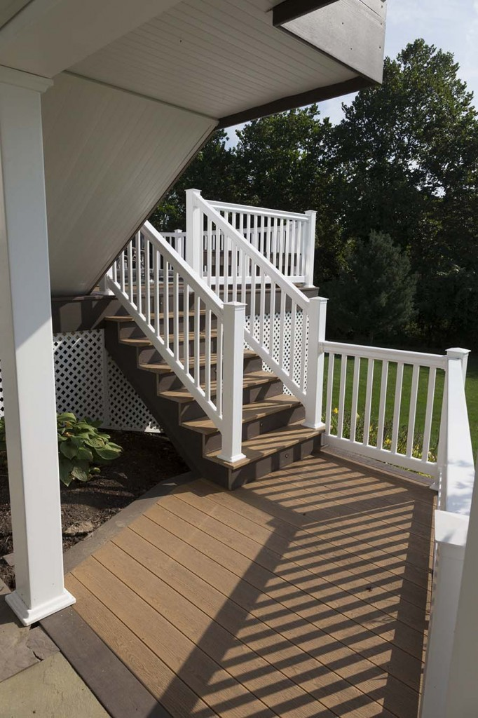 Clubhouse decking glenmoore pa deck craft llc for Decks plus